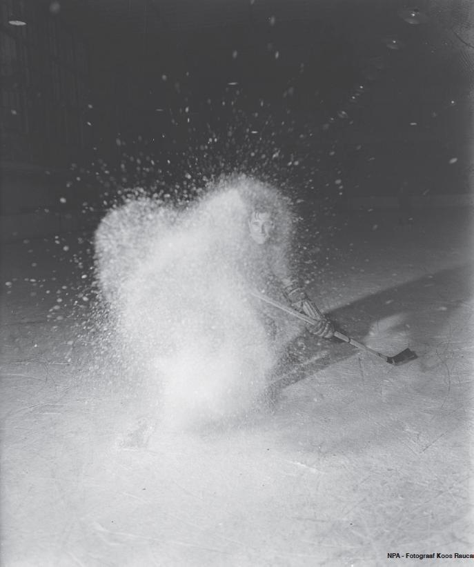 BEKERWEDSTRIJD IJSVOGELS - HHIJC 1-0 - 1 FEBRUARI 1946